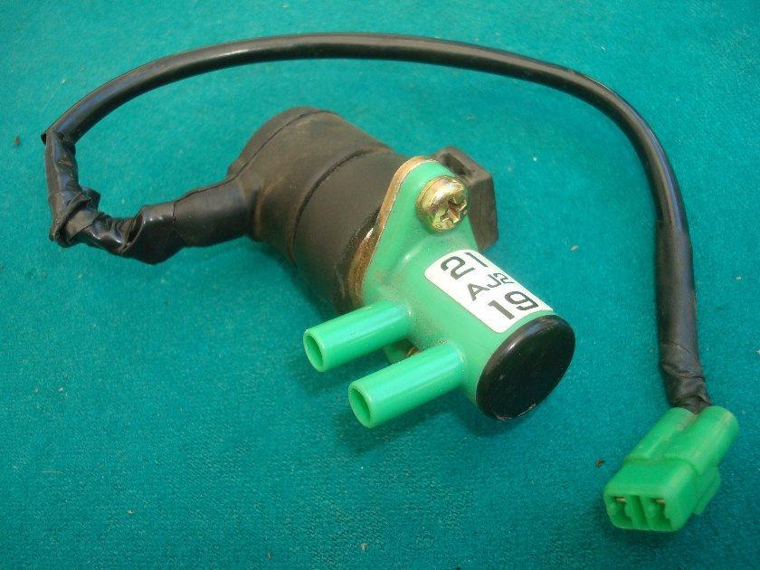 88 to 00 21 -Aj2-19 Vacuum sensor  GL1500