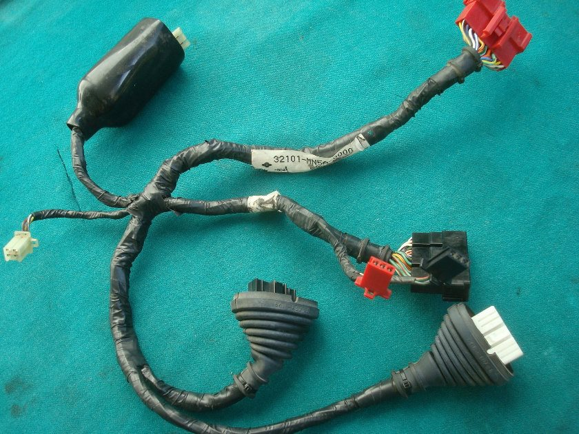 32101-MN5A-0000 SUB-HARNESS, R. RR. 32101-MN5-000  1988 GL1500