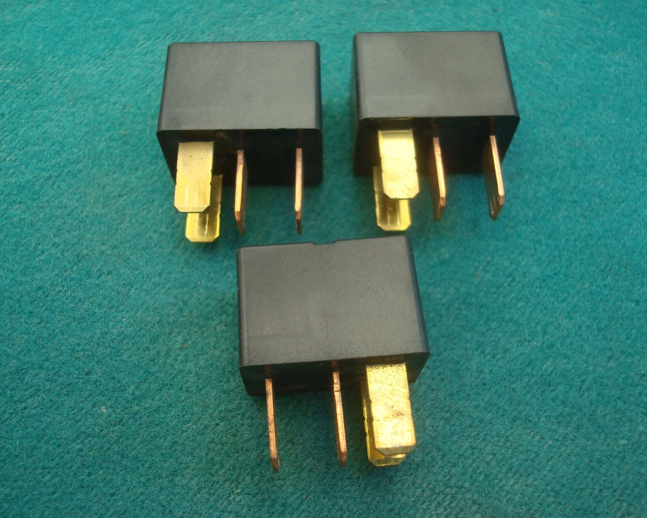 01 to 10 Main relays 20A 3 of for GL1800