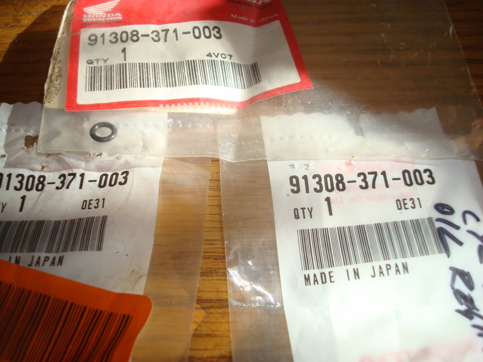 77 to 87 Head oil seals 91308-371-003 GL1000 1100 1200