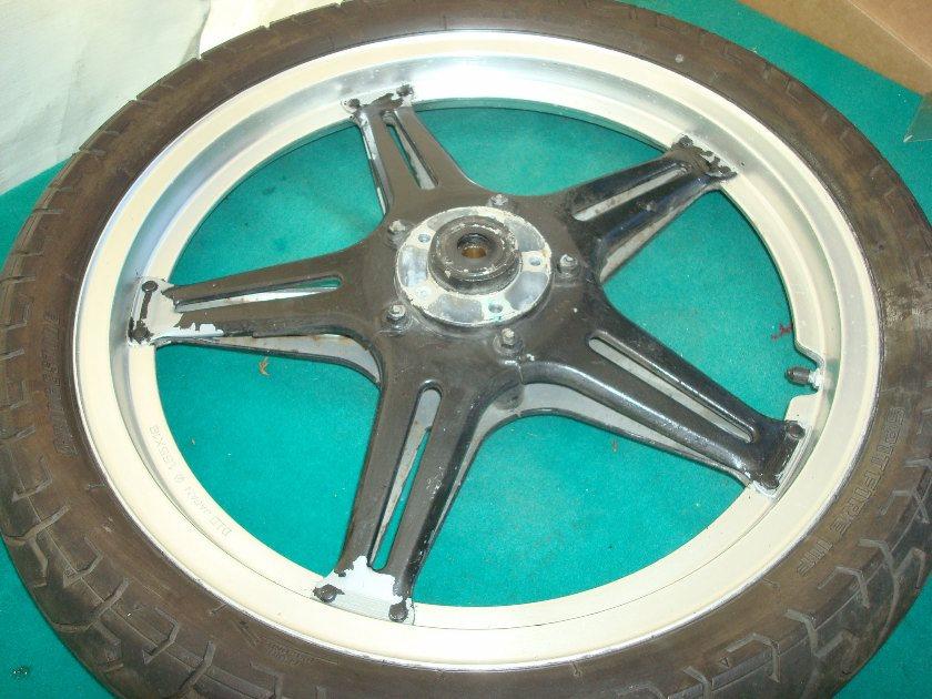 GL1000 78 79 Front wheel with mounted Bridgestone